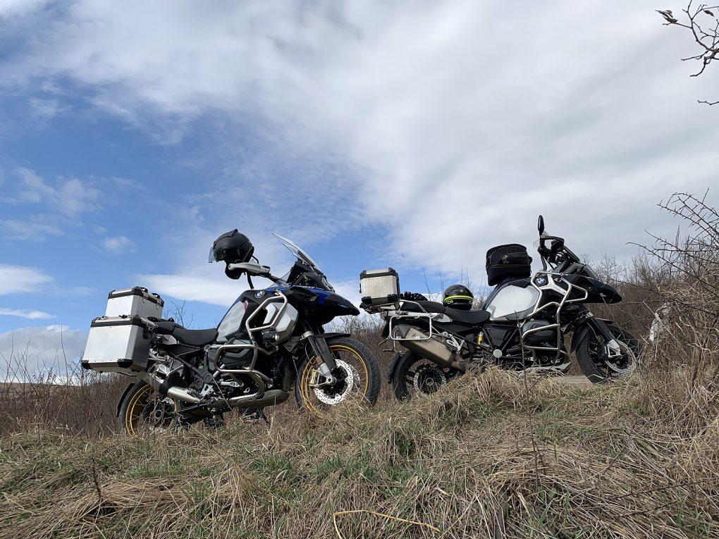 Paparadă, vânt și motociclism