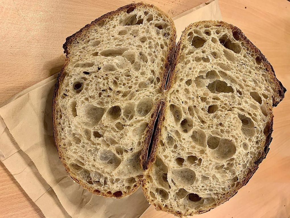 Pledoarie pentru o pâine deschisă (open)